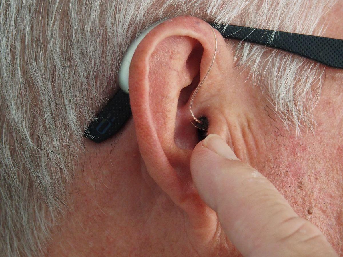 Sehtest bei Auge und Ohr
